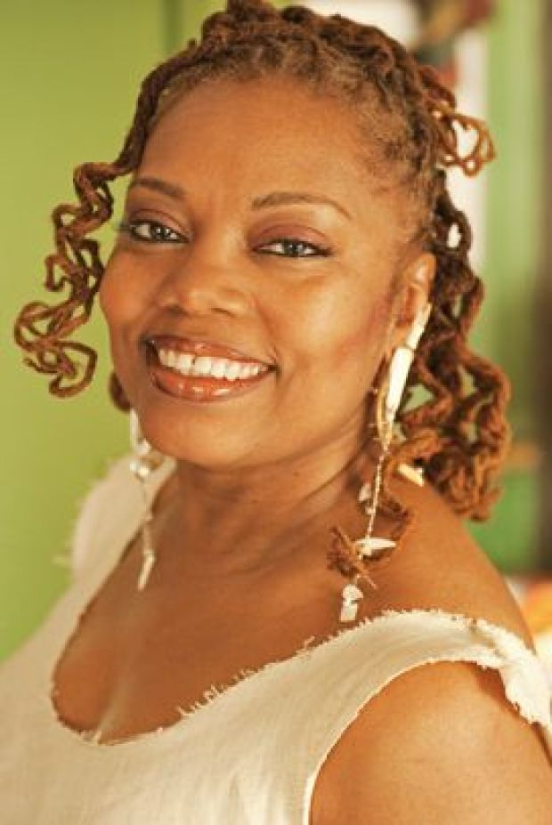 Feature Focus: Dee Alexander entertains in concert